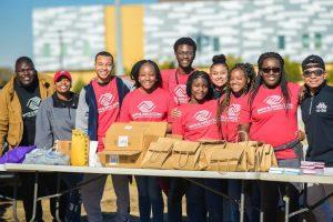Club teens community service project